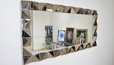 Cizan Mirror