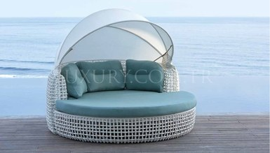 Gusto Daybad Garden Resting Couch