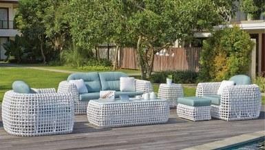 Gusto Garden Living Room