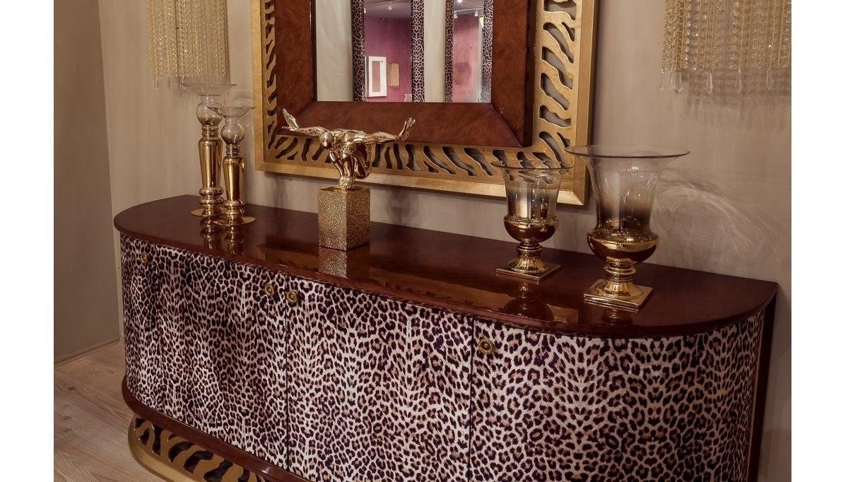 Leopar Classic Dining Room