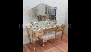 Puntos Mirrored Dresser
