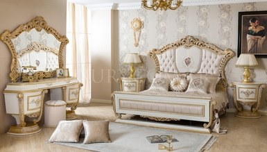 Royela Classic Bedroom