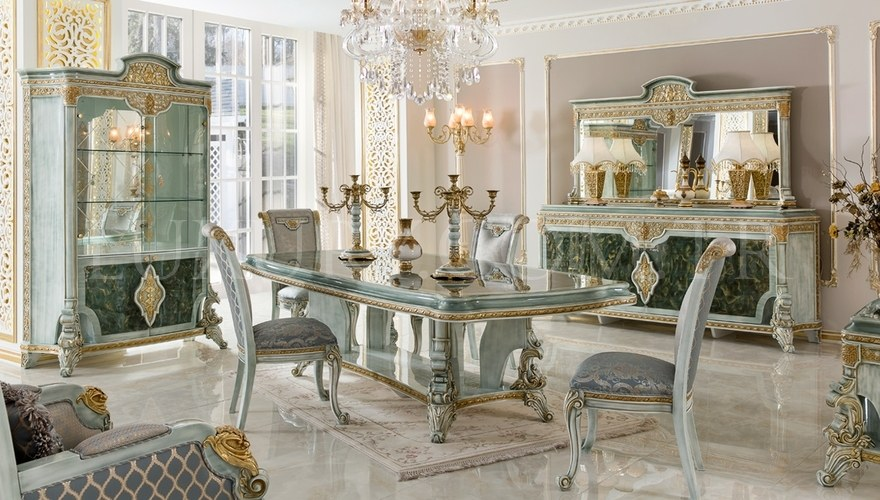 Vanseras Classic Lake Dining Room
