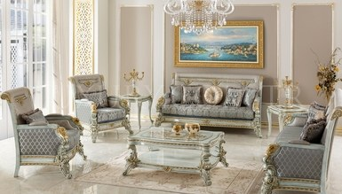 Vanseras Classic Lake Living Room