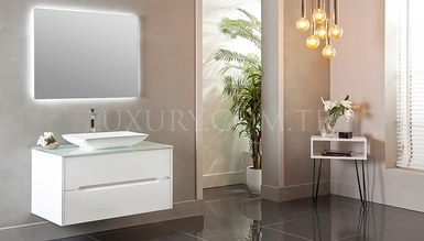Yenora Bathroom Set